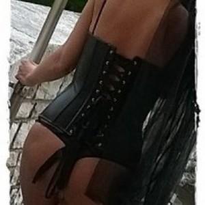SARA Piccante escort donna accompagnatrice