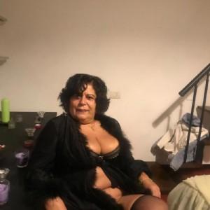 Claudia milf sempre calda-2