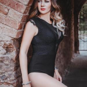 GIULIA Raffinata Eccitata escort donna accompagnatrice