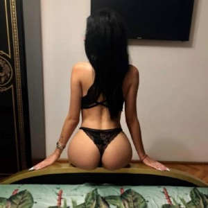 RAGAZZA SICILIANA MESSINA escort donna accompagnatrice