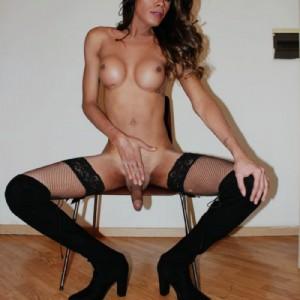 Valentina trans una cavalla attiva passiva femminile escort donna accompagnatrice