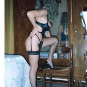 Italiana matura escort donna accompagnatrice