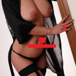 Italiana casalinga calda passionale-4