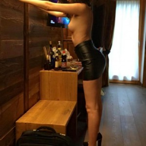 Eduarda affascinante brasilina elegantissima educata completissima escort donna accompagnatrice