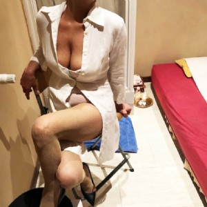 Paola massaggio tantra italiana doc fantastica massaggiatrice escort donna accompagnatrice
