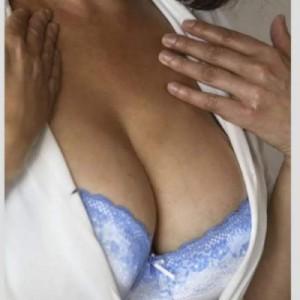 Anna massaggiatrice esperta escort donna accompagnatrice