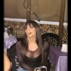 Trans italiana piccolina troietta pompa da urlo escort donna accompagnatrice