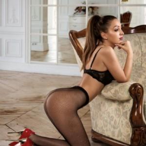 Giulia molto sensuale-3