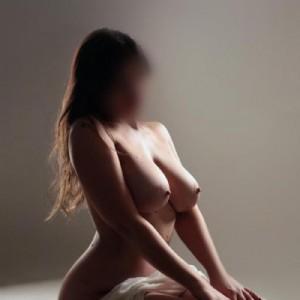 Biancabella dolcissima italianissima bellezza innocente seducente sinuosa ed erotica incadescente sensualità-2