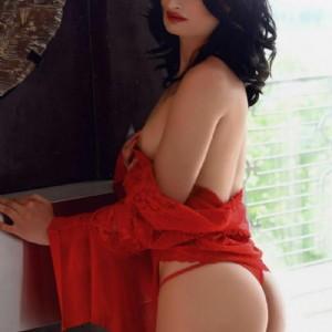 Claudia italiana ragazza molto sensuale escort donna accompagnatrice