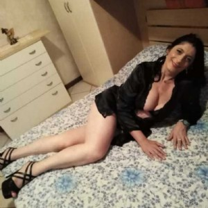 Splendida Bergamasca Milf escort donna accompagnatrice
