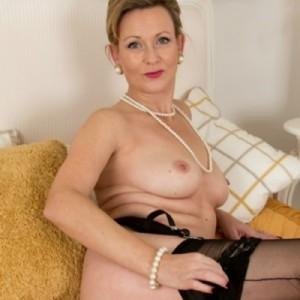 Donna Matura Tutta Da Scoprire-3