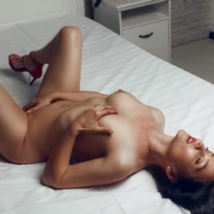 Maya Bella Fighetta Mora escort donna accompagnatrice
