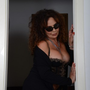 Milf Signora Italiana Spregiudicata Sexy escort donna accompagnatrice
