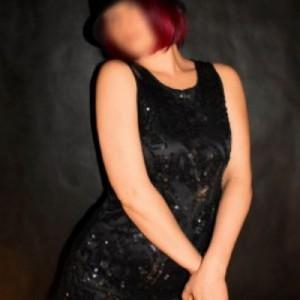 Giulia Italiana Milf escort donna accompagnatrice