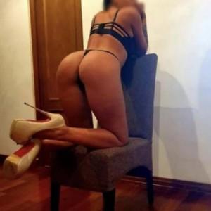 Jasmine Divertimento Garantito escort donna accompagnatrice