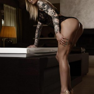 Evelyn Escort Raffinata escort donna accompagnatrice