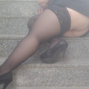 Laura-Napoletana Casalinga Insoddisfatta escort donna accompagnatrice