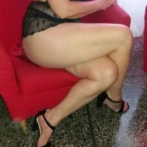Francesca Massaggi Erotici Milf Napoletana escort donna accompagnatrice