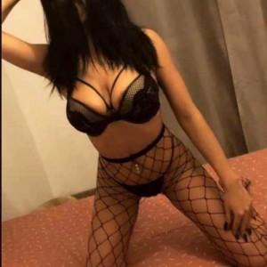 Giocherellona Lato-B Pronto per Inculare escort donna accompagnatrice