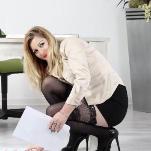 Natasha Cerco Partner per Fare Amore escort donna accompagnatrice