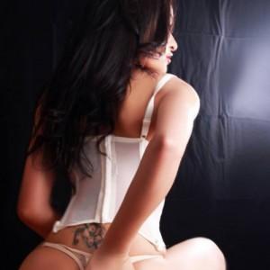 Martina Mistress Lato-B Bello-1
