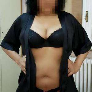 Milf Matura Prosperosa Bellissima Mora Non Professionista Lamante Perfetta Massaggi di Ogni Genere escort donna accompagnatrice